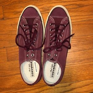 Converse all-stars maroon color unisex 9.5m/11.5 w